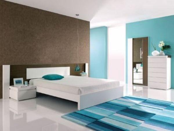 Wohnzimmer: Pastellbraun Türkis