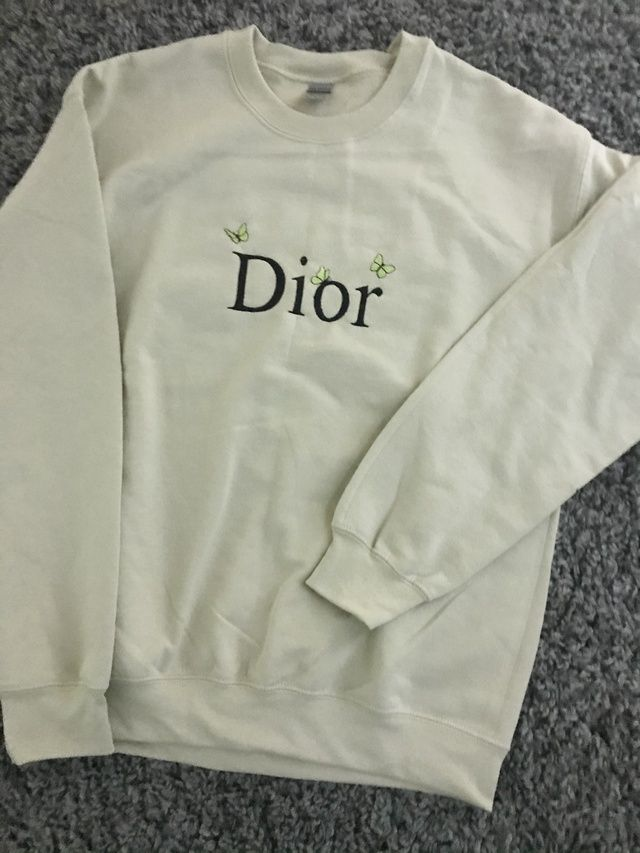 Dior Butterfly Crewneck The Custom Movement In 2021 Really Cute Outfits Winter Fashion Outfits Mens Outfit Inspiration