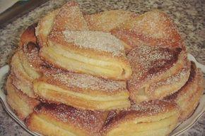 Tvarohové vějířky se skořicí Suroviny 400 g tvaroh 250 g máslo 480 g hladká mouka 1 lžička prášku do pečiva špetka sůl skořicový cukr na obalení