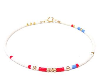 tiny delicate bracelet Layering bracelet delicate by ToccoDiLustro