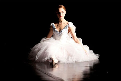Black Swan by Darren Aronofsky
