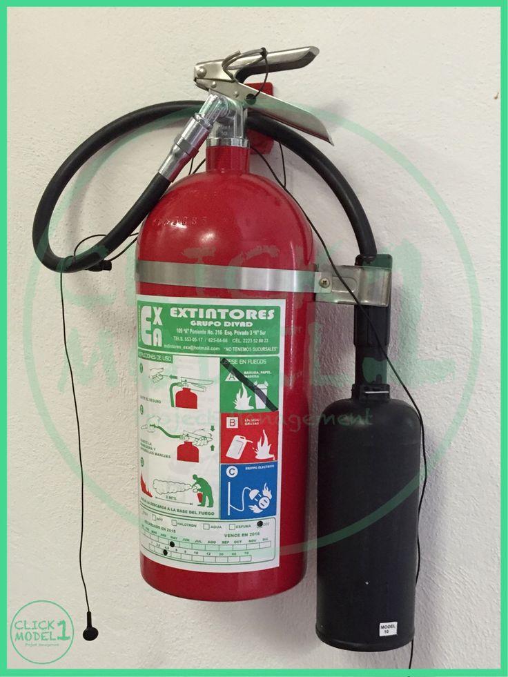 Nuovo modello di lettore MP3 ... Musica di fuoco ;-) #art #image #imagination #estintore #mp3 #fuoco #sicurezza