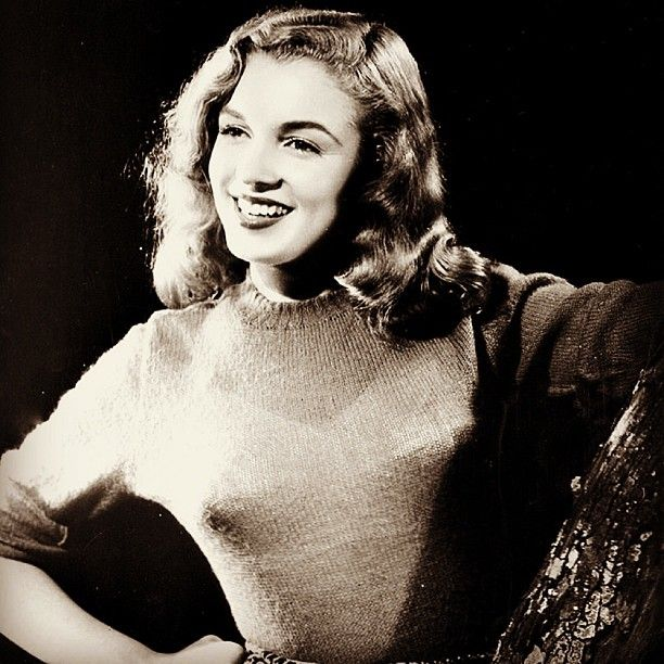 Marilyn monroe photographed by bruno bernard 1946 - Marilyn monroe diva ...