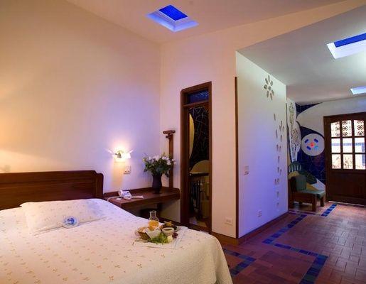 Habitación Inspirada en Antoni Gaudí
