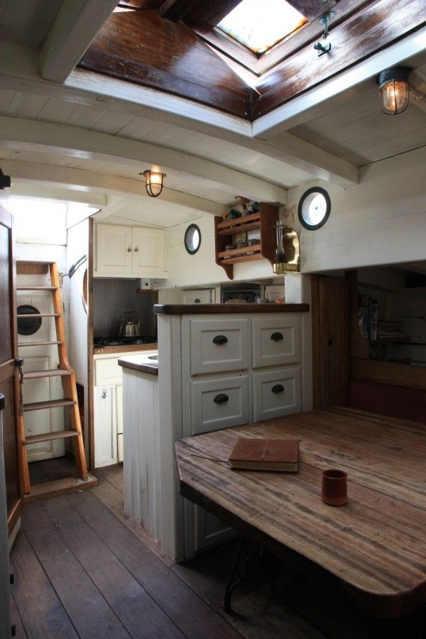 Best 25+ Sailboat interior ideas on Pinterest | Living on a boat ...