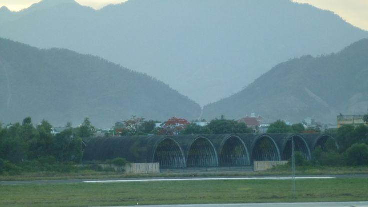 Hangares americanos de la guerra de Vietnam.Hue.-Fotografía:Rebeca Pizarro