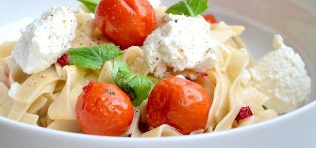 Makkelijke Maaltijd: Pasta met geroosterde tomaten - Uit Paulines Keuken