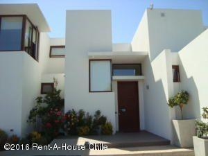 ORH RENT-A-HOUSE CHILE SA Casa en Venta en Lo Barnechea en Santiago Código: 15-113 No.0