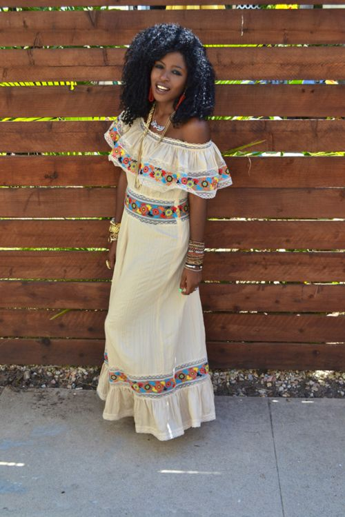 black bohemian women | Tumblr Correction: Hispanic influence on the clothes, not boho.