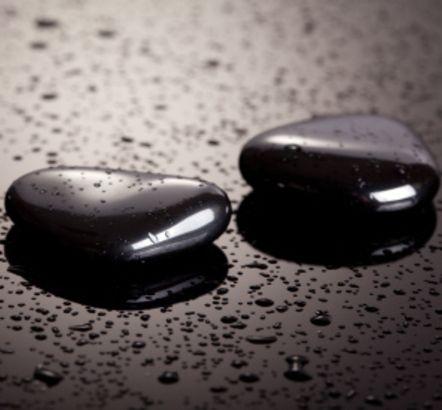 ONYKS CZARNY - Właściwości i Moc Kamieni Szlachetnych w Biżuterii PASIÓN