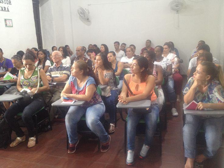 Socialización Estrategia Lectura Compartida en Casa. Sede Mercedes Abrego, jornada de la tarde.