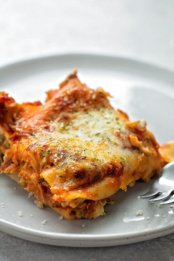 This insanely good chicken lasagna has layers of extra cheesy mushroom, spinach and chicken filling. Even the pickiest of eaters will LOVE this dish!