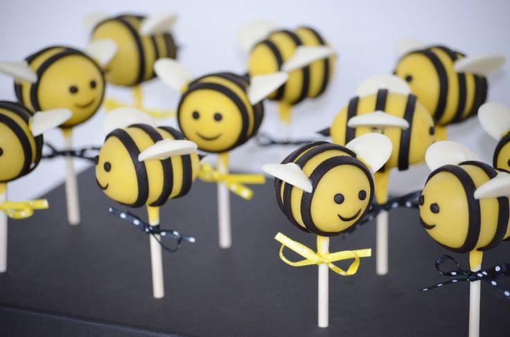 bumble bee baby shower cakes | Alerter les modérateurs Voir l'image au format original