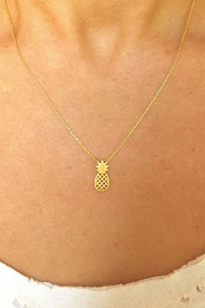 dainty pineapple necklace - 15.00