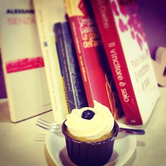 Abbiamo anche un angolo di #bookcrossing #cupcake #dolcelab