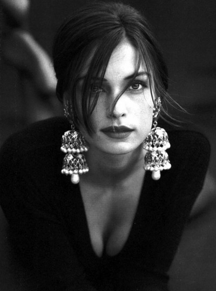 #inspiredbydesign  Oversized earrings Famke Janssen