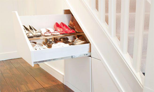 Almacenaje bajo la escalera – Revista Muebles – Mobiliario de diseño