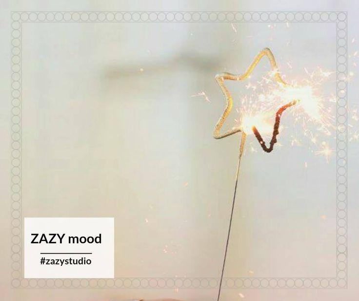 """Ce ți-ai propus pentru noul an?  Să mănânci mai sănătos, să faci mai multă mișcare, să stai mai mult timp cu cei dragi?  Îți dorim un an nou cu """"mai mult"""" din toate! Fii ZAZY și în 2017! #zazystudio #zazymood #ianuarie #cluj"""