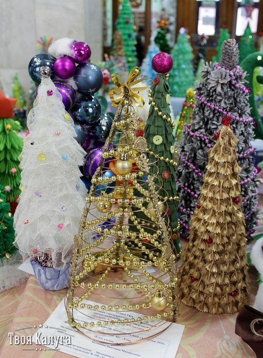 Елки из макаронов и бус. Christmas tree. Ideas