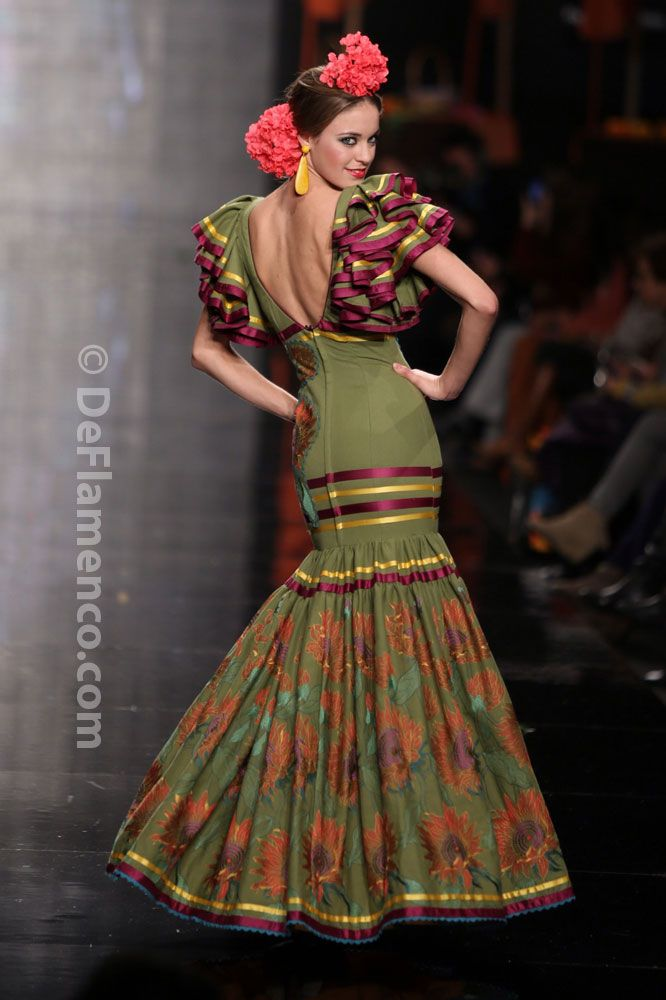 Fotografías Moda Flamenca - Simof 2014 - Carmen Latorre 'Plaza de las flores' Simof 2014 - Foto 09
