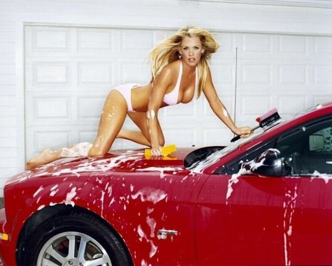 "( 2016 ) ☞ HOT ROD CAR WASH and THE BEAUTIFUL BIKINI ☀️ GIRL 2016 ★ JENNY McCARTHY ) ☞ ★ Jenny Ann McCarthy - Wednesday, November 01, 1972 - 5' 6½"" - Chicago, Illinois, USA."