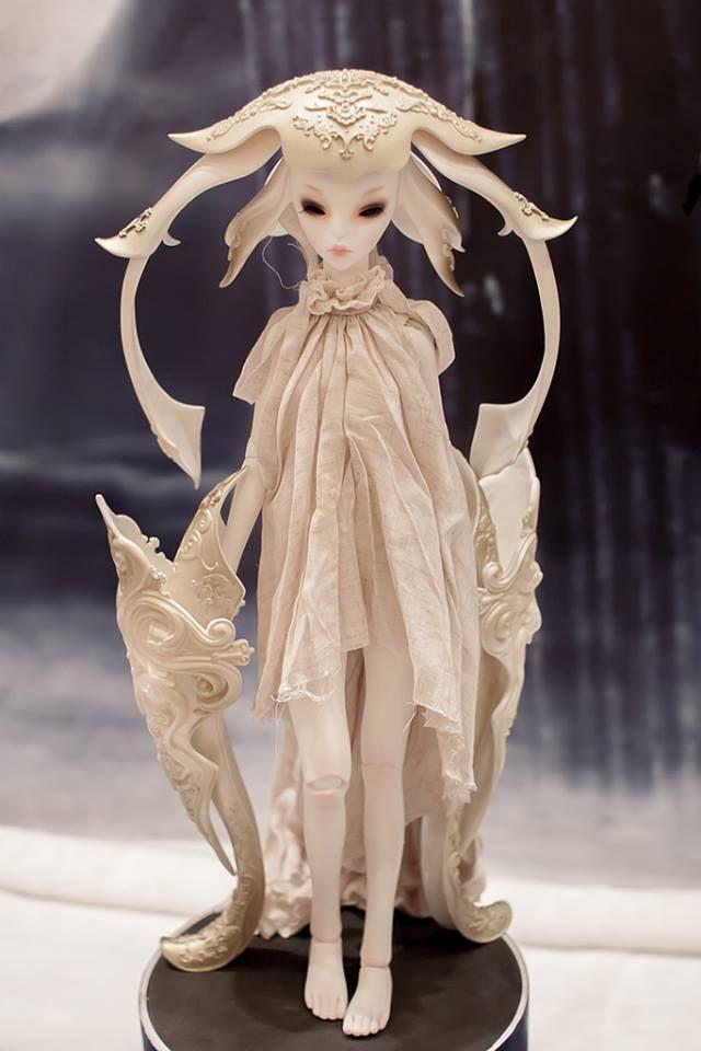 Ball jointed art dolls | Art doll