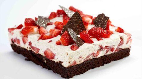 Grundlovskage er en lækker dansk opskrift af Konditorlauget, se flere dessert og kage på mad.tv2.dk (Recipe in Danish)