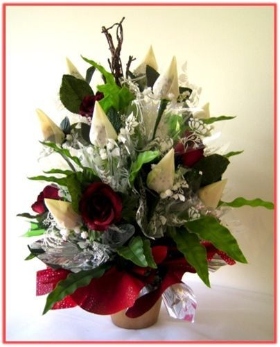 """""""WHITE ROSEBUDS"""" Candy Bouquet"""