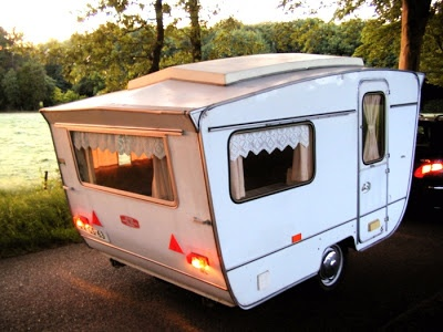 Otten Trailer / Caravan -lovely shape!