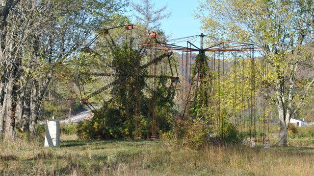 Lake Shawnee Amusement Park (abandoned)Nicole Dul