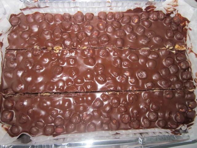 Ricetta torrone cioccolato e nocciole (Natale) pubblicata da lully - Questa ricetta è nella categoria Dessert e pralineria