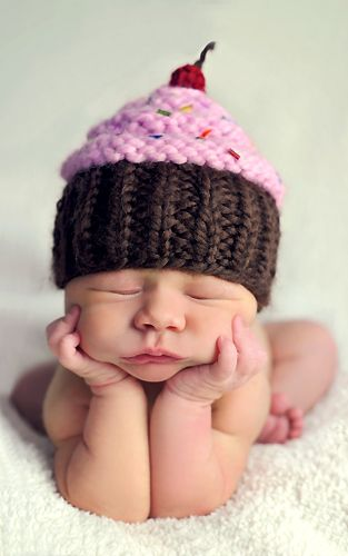 so cute: Crochet Cupcakes Hats, Knits Crochet, Cupcakes Baby, Cupcakes Photography, Baby Hats, Baby Girls, Baby Photos, Crochet Knits, Cupcakes Cakes