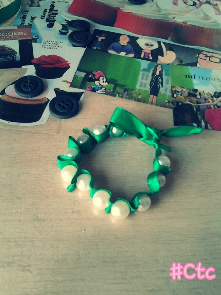 green pearl bracelet (also available in other colours)...5$ #ctc #collection #pearl #bracelet #green