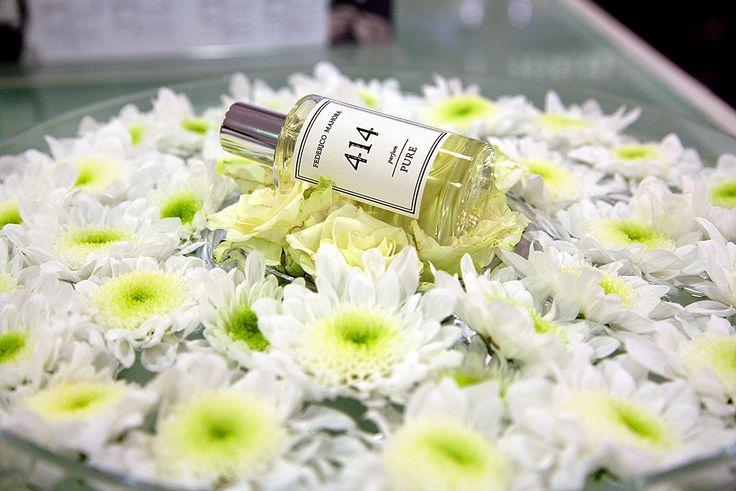 Egy jó női illat feladata a nőiesség, a csábítás és az igényesség kifejezője. A PURE kollekció női parfümjeire az egyediség a jellemző, hiszen nem ismert márkanevek által már megszokott illatokat tartalmaznak, hanem teljesen egyedi kompozíciókat. Csábíts az illatoddal, vállald fel magadat és bízz a különleges aromákban, amelyekért cserébe különleges illatélményben részesítheted magadat és környezetedet! A parfümök 50 ml-es üvegekben és egységesen, 4.560 Ft.-os katalógus áron kaphatóak