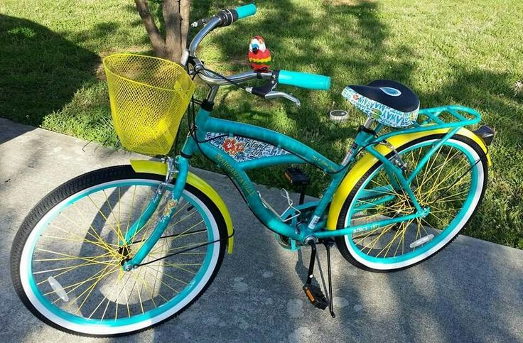 My friend's new Margaritaville bike. WANT.