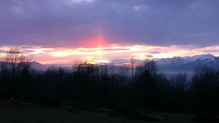 Il panorama che si ammira dal nostro B&B al tramonto. #Dolomiti #Belluno #Vabelluna