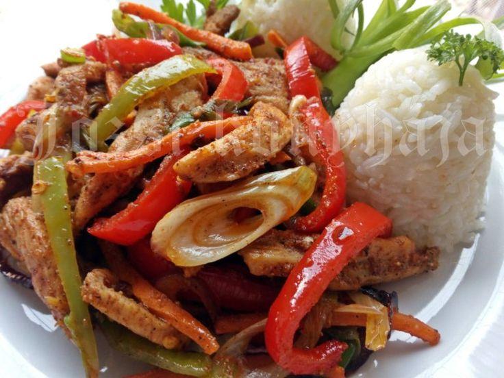 Csípős csirkemell csíkok zöldségekkel sütve | Józsi konyhája