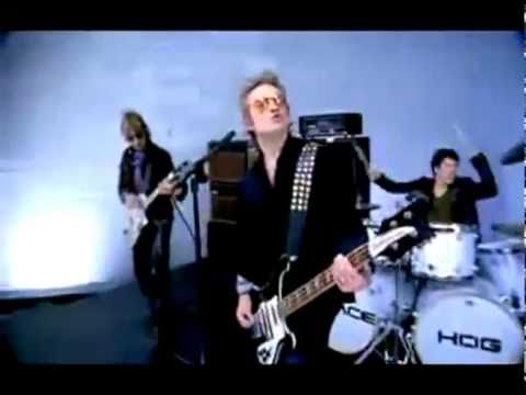 Spacehog - In the Meantime (Alternative Video) Classic 90's. One of the first music videos I ever saw.