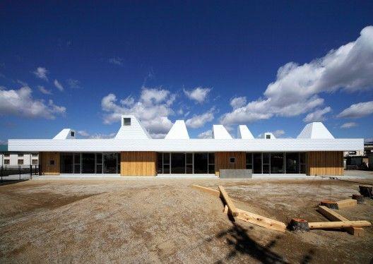 Architects: Archivision Hirotani Studio / Hirotani Yoshihiro and Ishida Yusaku Location: Nagahama, Japan Structural Engineering: Umezawa structural
