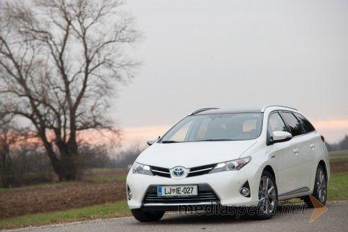 Toyota Auris Touring Sports Hybrid 1.8 VVT-i Sol