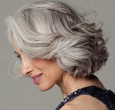 short+hairstyles+over+50,+hairstyles+over+60+-+wavy+bob+hairstyle+for+grey+hair