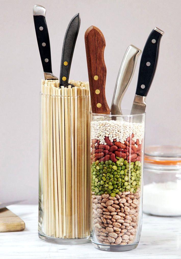 Удобное хранение ножей в банках с вермишелью или фасолью