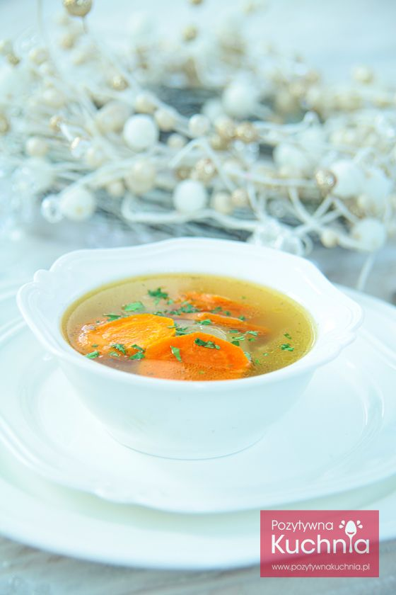 Rosół rybny - #przepis krok po kroku. Pyszna #zupa na #wigilia i #wielkanoc  http://pozytywnakuchnia.pl/rosol-rybny/  #kuchnia