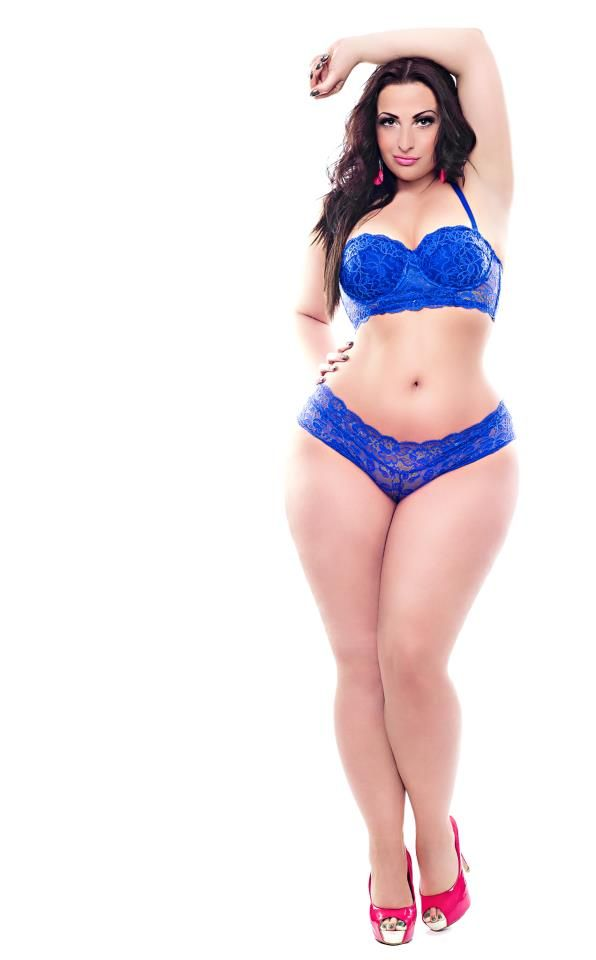 curvy girls beautiful women curvy women dangerous curves bbw big