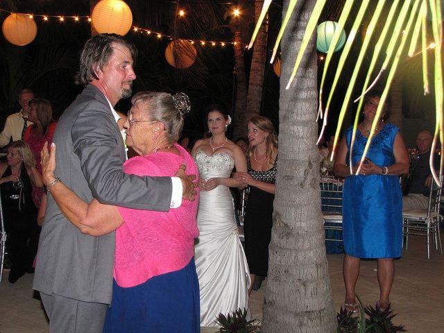 Slow Dancing At Key Largo Wedding By Http Mbeventdjs