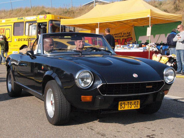 Fiat_124_Spider_2000_USA_dutch_licence_registration_83-TS-SZ_pic1.JPG (2191×1643)