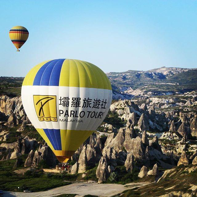 Amazing balloon flight over Cappadocia region in Turkey #traveltheworld #travelcappadocia  #baloonflight