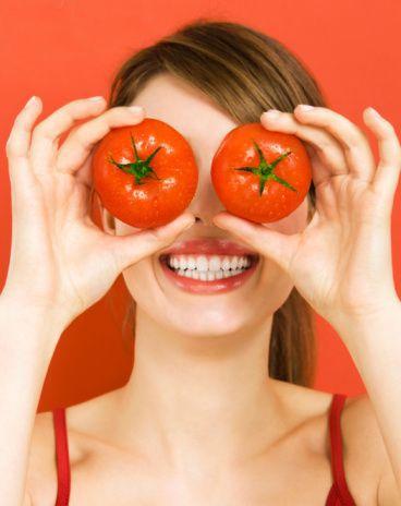 #Elimina las #ojeras con una #mascarilla de tomate y limón. Te sorprenderán los resultados.