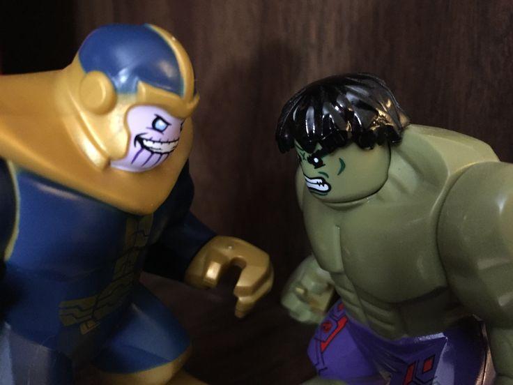Lego Thanos v Lego Hulk