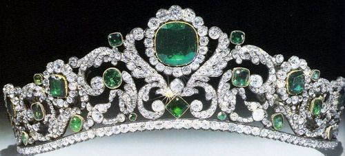 Marie-Therese, Duchesse d'Angouleme Emerald and Diamond Tiara (France, sold to private owner)